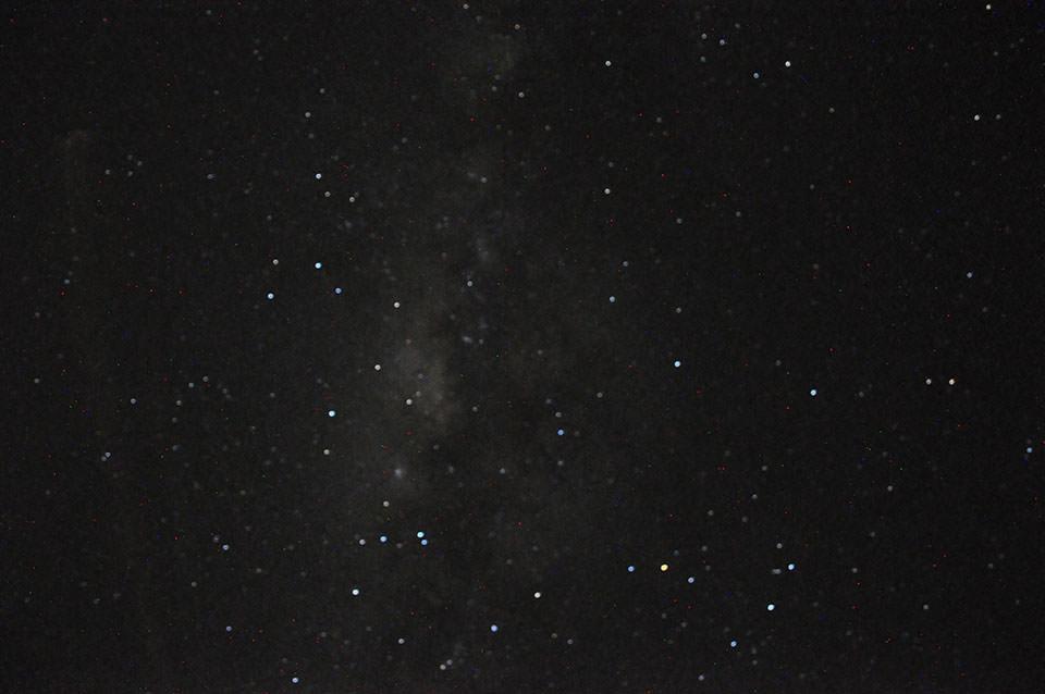 出発1時間前に届いた1眼レフで撮影できた、セレンゲティの天の川とさそり座と満天の星