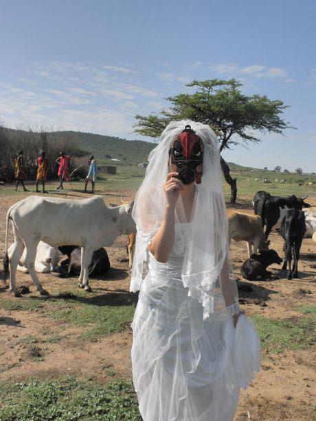 マサイ村で新婚旅行の記念撮影!一緒に旅した素敵なカメラおやじが撮ってくれました☆