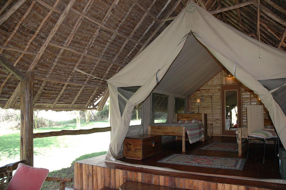 ホテル並みのトーティリスのテントキャンプ