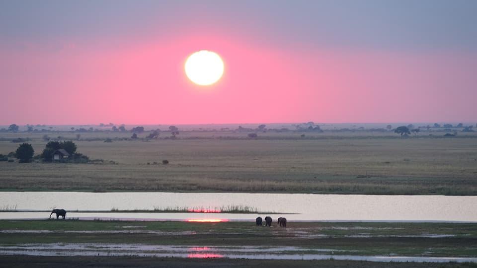 夕日が大きくて、きれいで強烈に印象に残ってます。