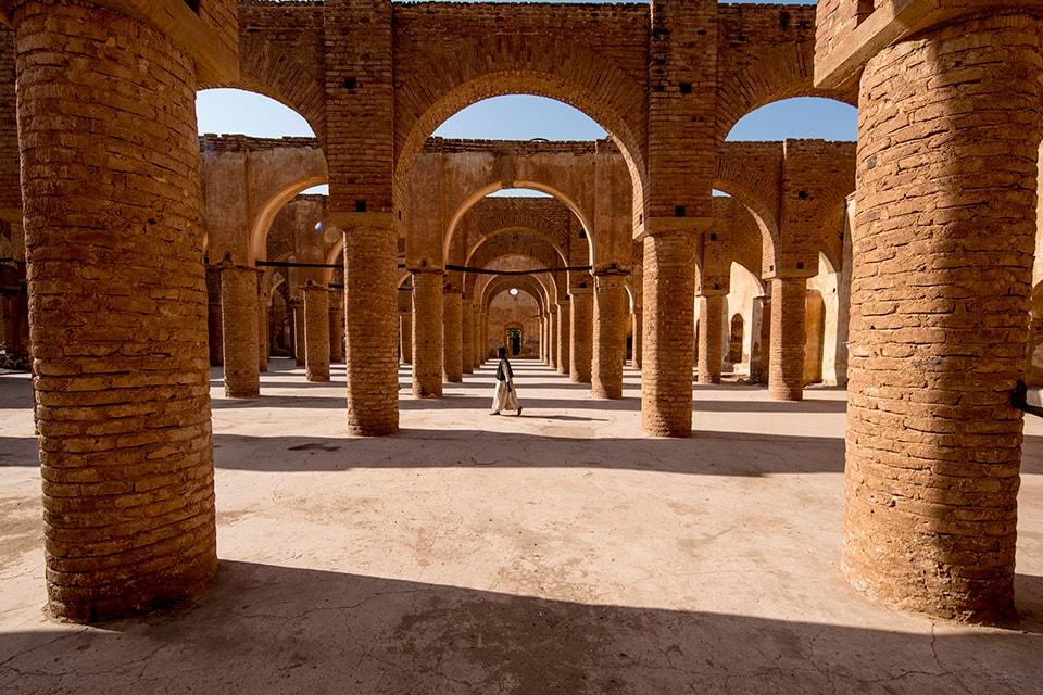 シルディ・アル・ハッサン廟、朝の光に映えた時でした。