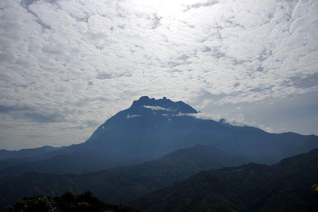 アジア最高峰キナバル山へ
