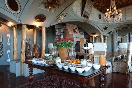 朝食時のレストラン風景