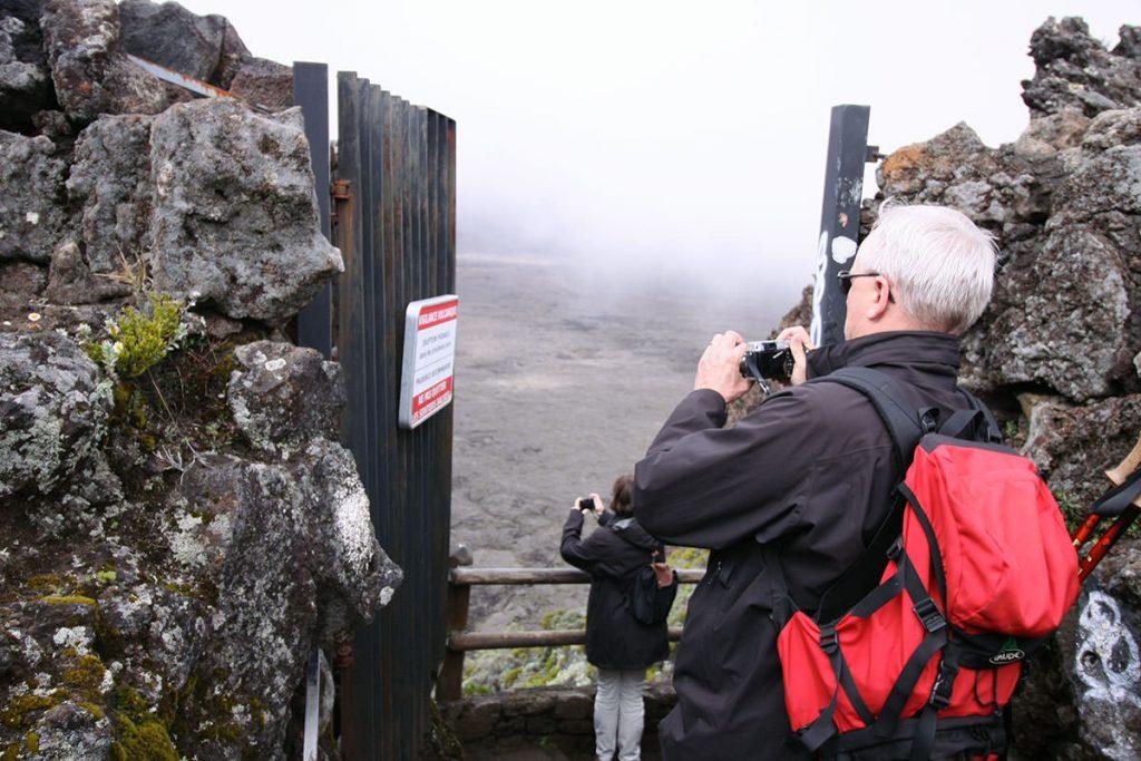 火山活動の状況に応じて閉鎖される第2ゲート