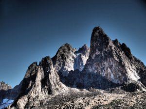 最奥部に聳えるバティアン峰&ネリオン峰