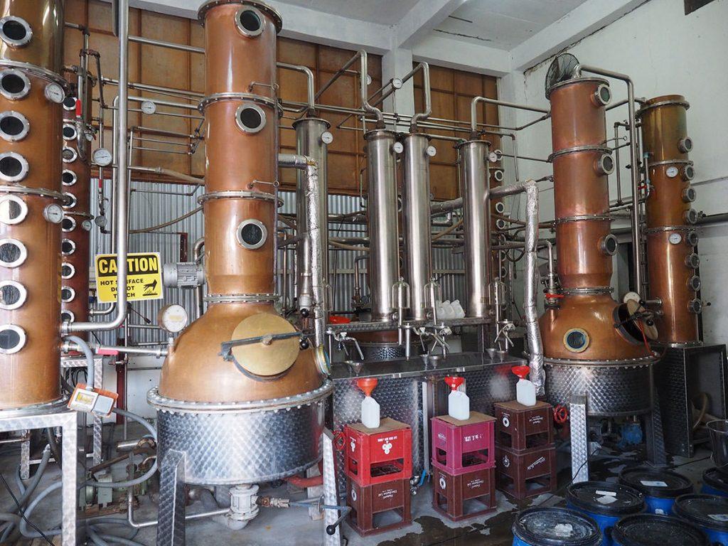 銅製の蒸留器