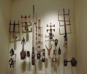 ドゴン族の仮面群