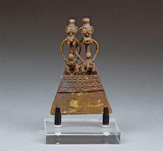 African Art 24 西アフリカの真鍮の装飾品
