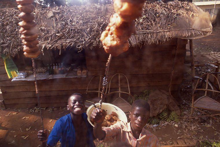 """Africa Deep!! 40 """"買い食い""""こそが旅の醍醐味なのかもしれない"""
