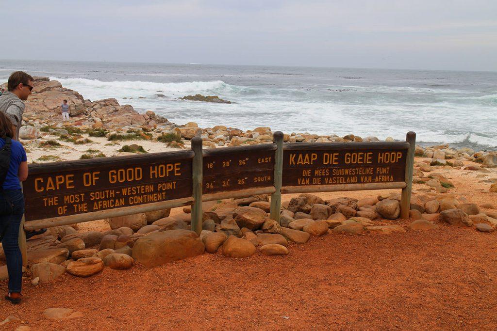 喜望峰をスタート地点とし、ジンバブエのビクトリアフォールズまでの約5,000キロを陸路で移動します。