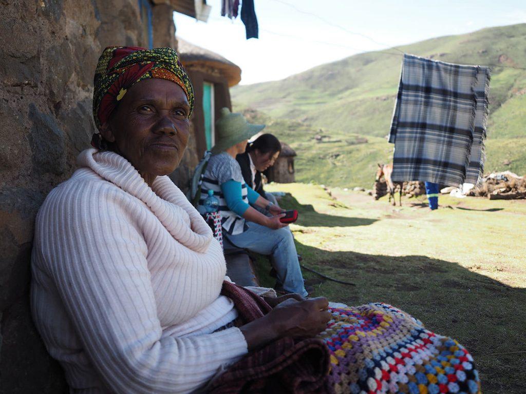宿を用意してくれた村のおっかさん。