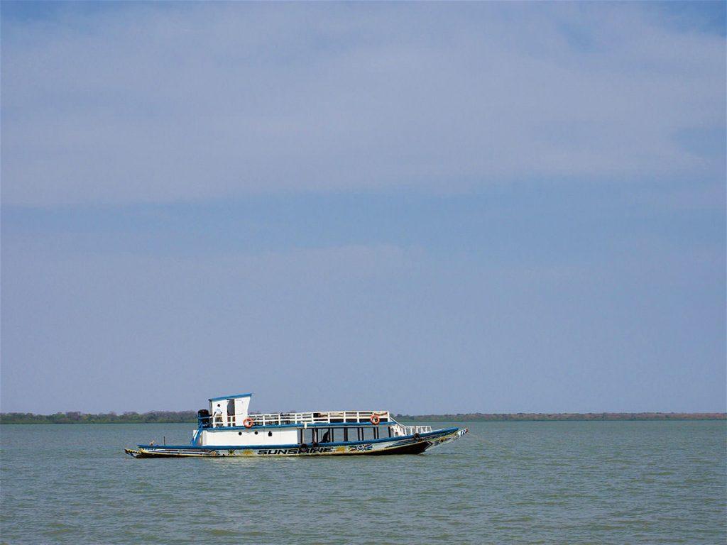 改造ピローグで船旅開始。