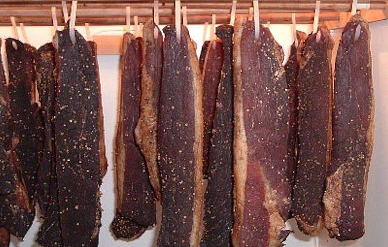 南部アフリカのビルトン(干し肉)