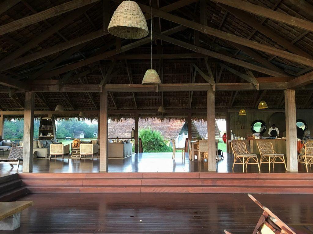 サバンナと森の境界線にあるンボコ・キャンプ。