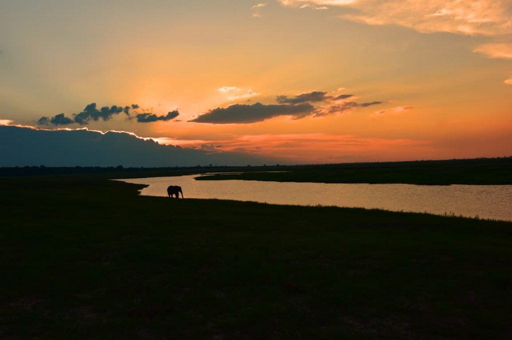 チョベ川の夕日