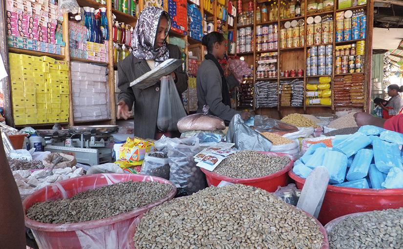 「買」 東アフリカ随一といわれる市場「マルカート(MARCART)」