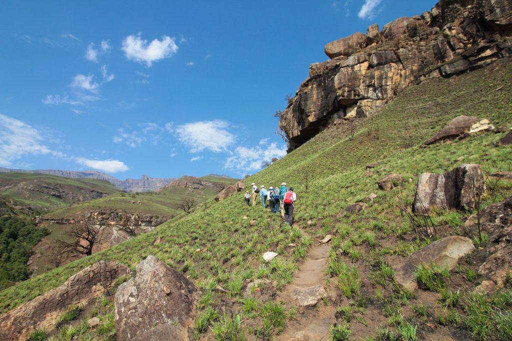 景観抜群のドラケンスバーグ山脈を歩きます