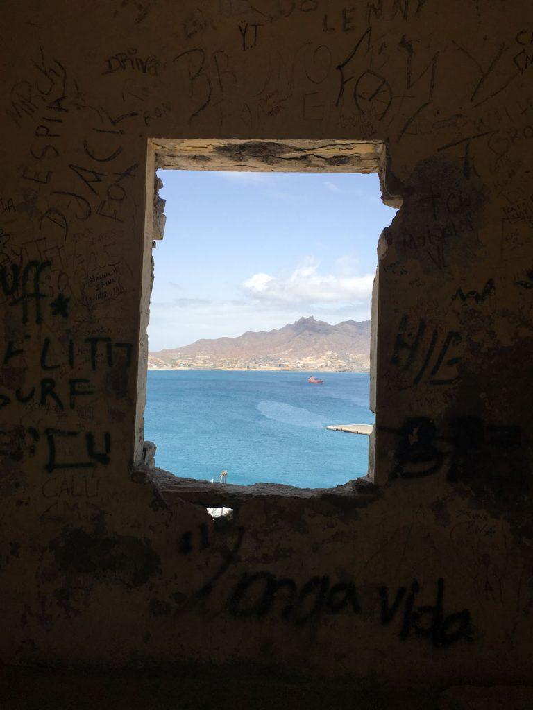 島に残されている刑務所からの眺め。