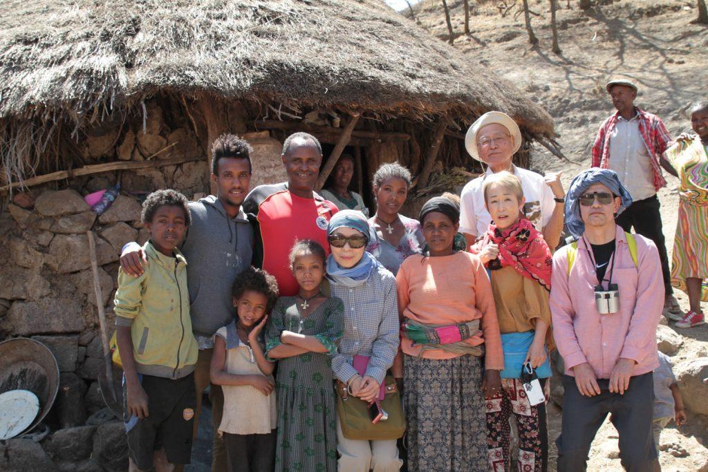 移動の最中に思い付きで立ち寄り。突然の訪問にも快く迎えてくれた村の人達