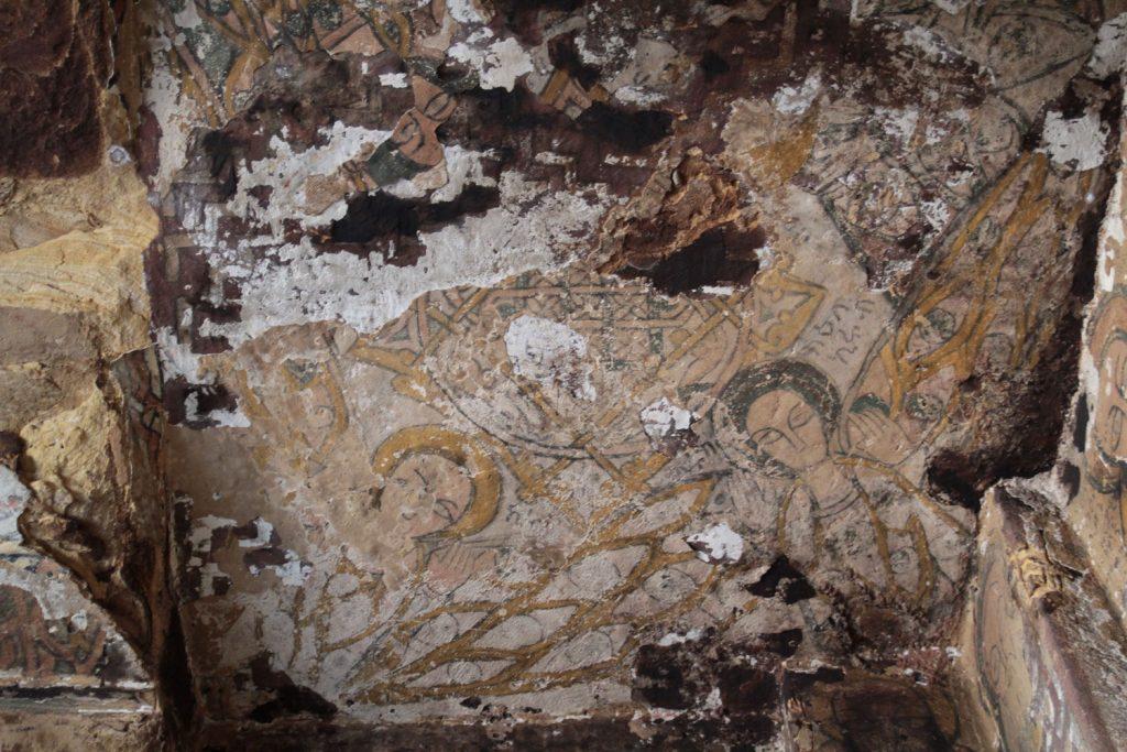 10世紀頃にエチオピアを支配していたとされる女王グディトにより焼かれてしまった教会内部のイコン