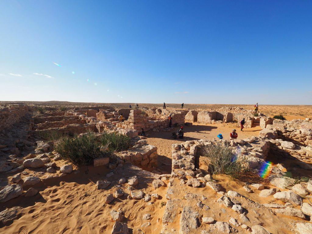 ローマ時代の遺跡が残る、クサール・ギレンが砂漠旅のゴール
