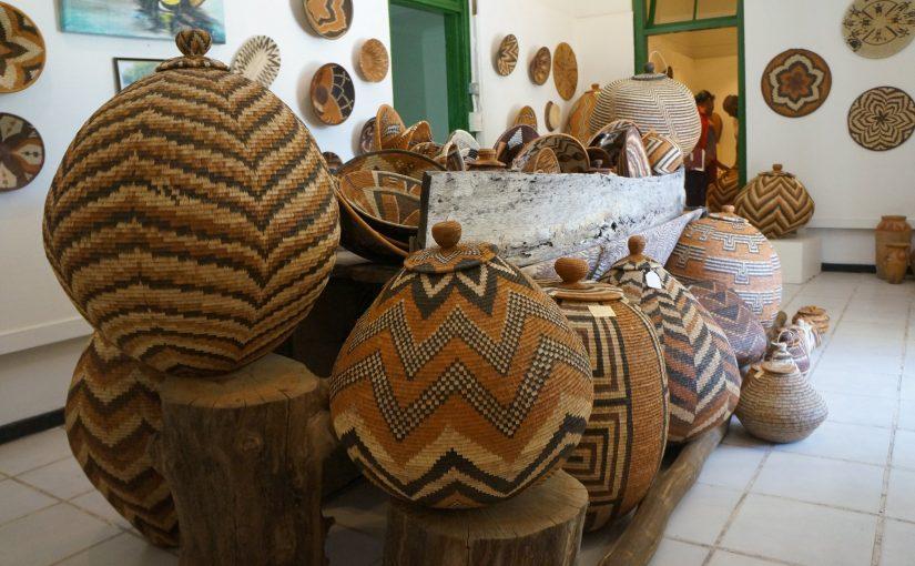 植物繊維で編まれたボツワナのバスケット