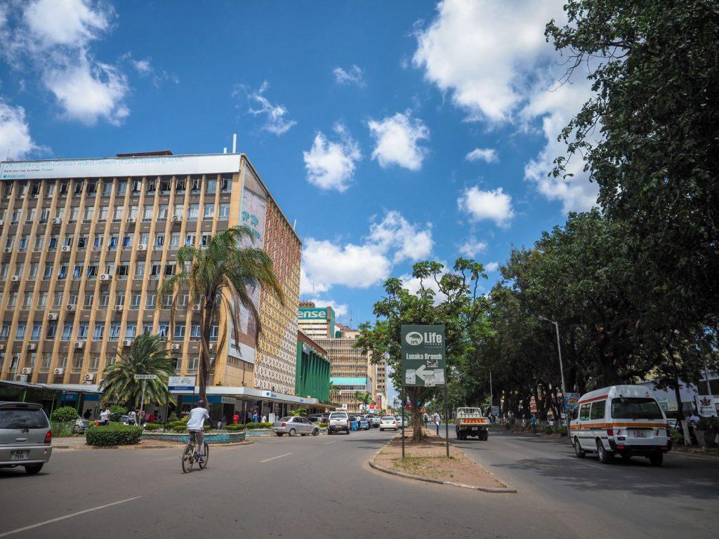 ザンビアの首都ルサカです。なかなかの大都市です。