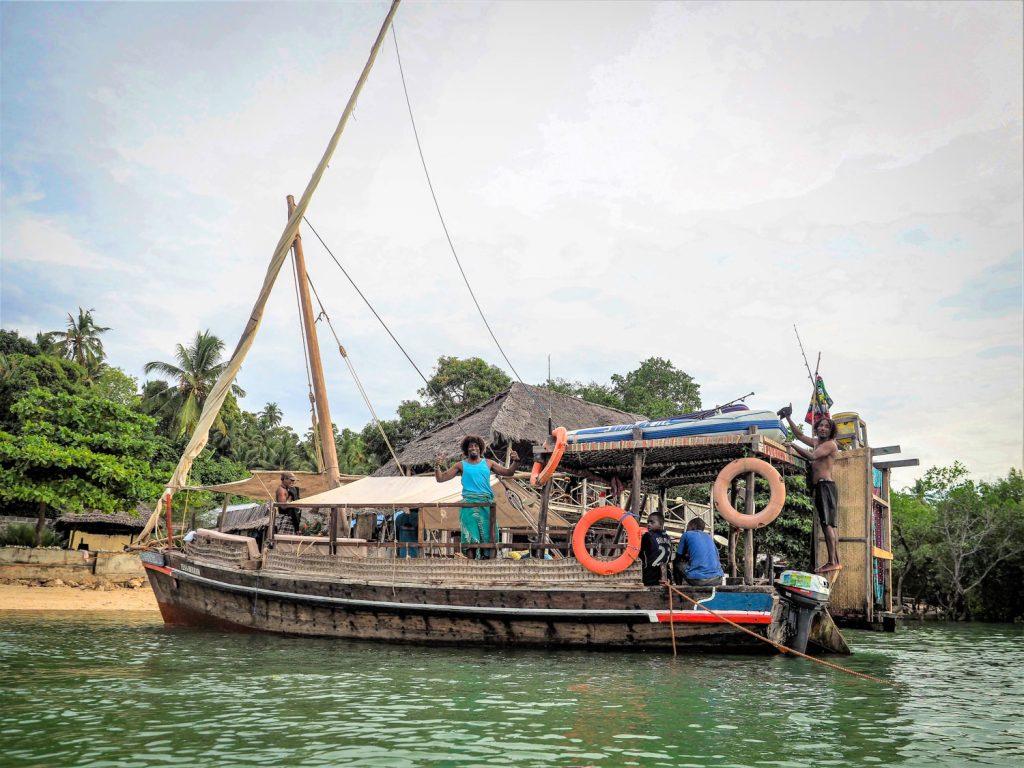 ペンバ島の南部ムコアニへ到着。いよいよ旅も終盤です。