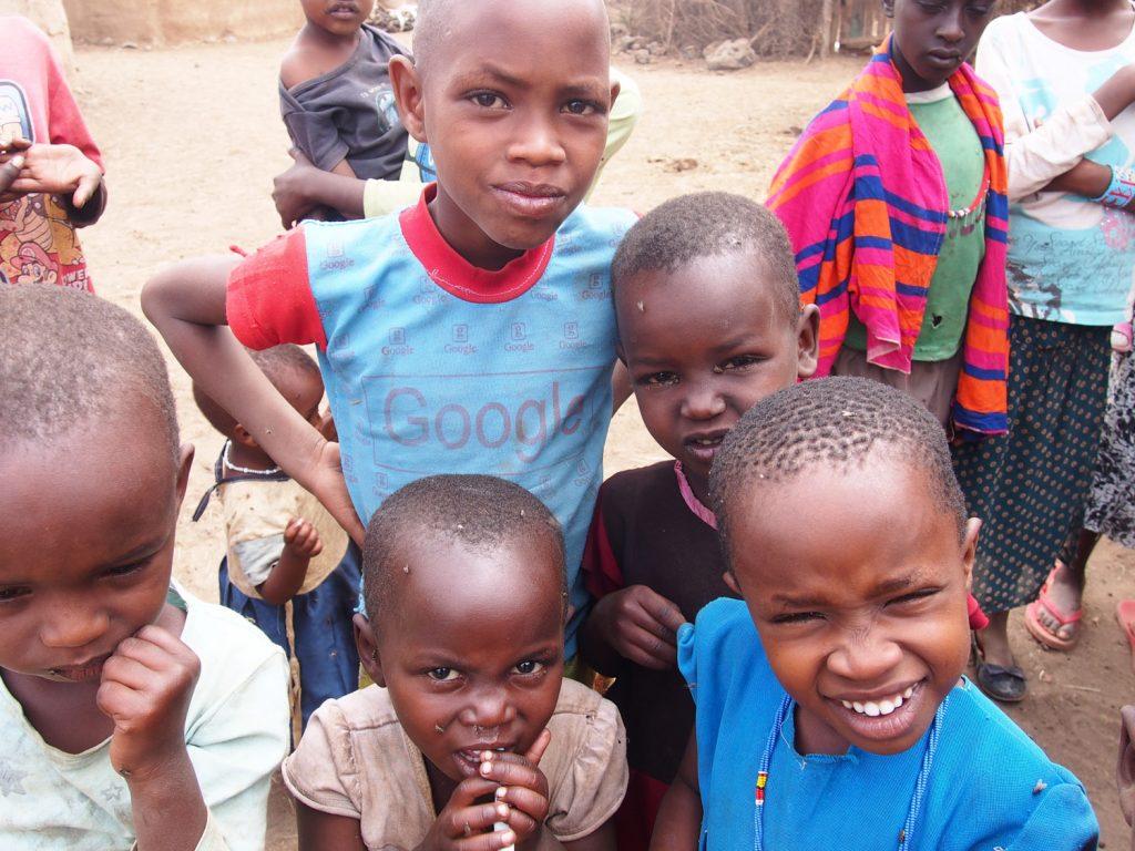 マサイの文化や生活、歌を歌ってくれたり。ちょうど学校もお休みだったので、子供たちも歓迎の歌を歌ってくれました。毎回思いますが、子供たちの笑顔にいつも元気をもらいます。