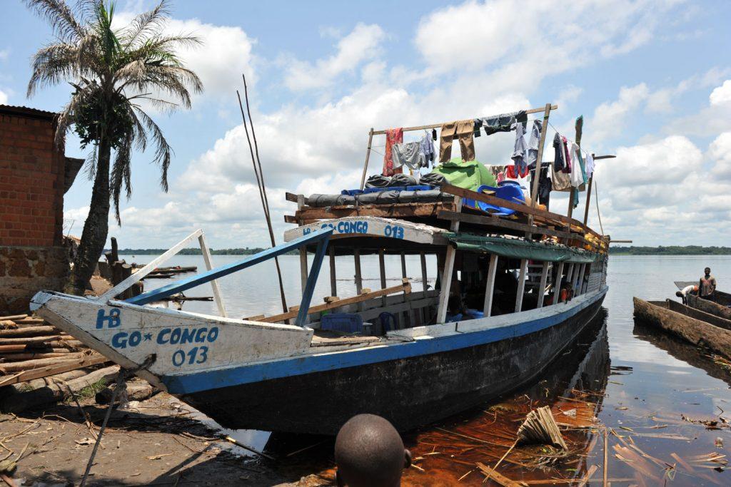 今回のツアーで使用した木造船